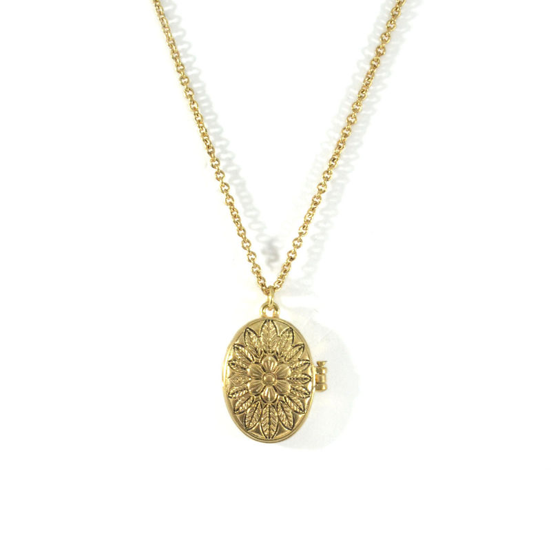 VINTAGE FLOWER PATTERN OVAL PENDANT NECKLACE - product image
