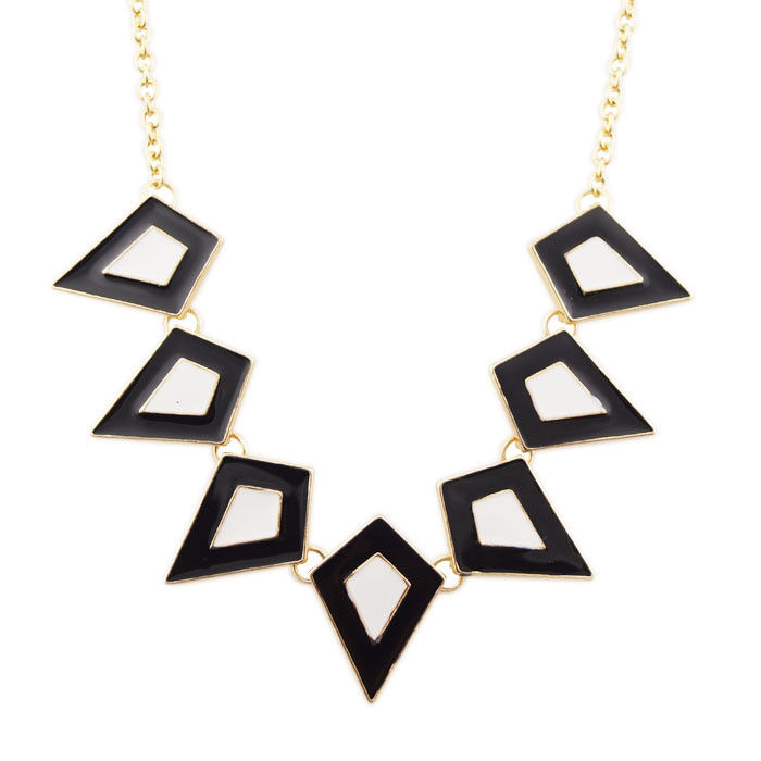 TWO TONE DIAMOND SHAPE NECKLACE - product image