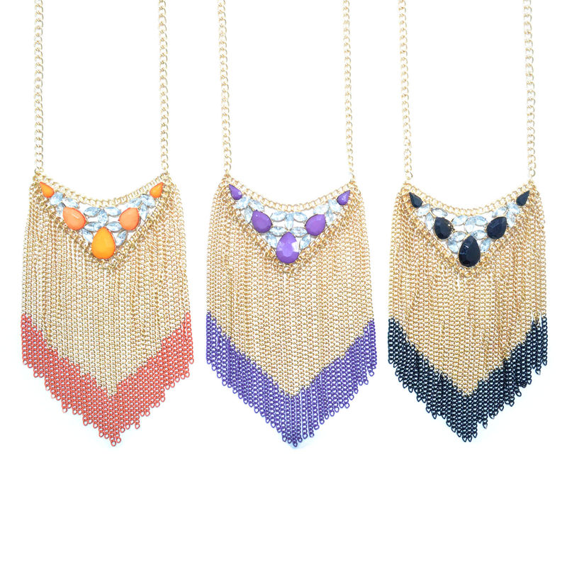 TRIANGULAR CRYSTAL DECOR NECKLACE - product image