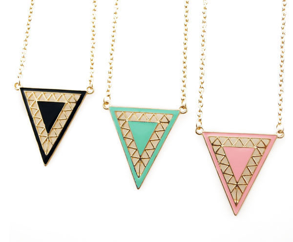 TRIANGLE NECKLACE - product image