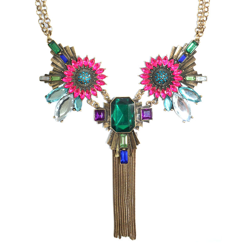 VINTAGE STYLE CRYSTAL FLOWERS PENDANT NECKLACE - product image