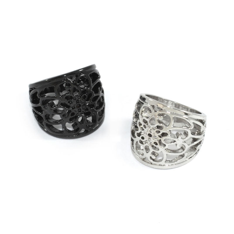 HOLLOW FLOWER PATTERN RING - product image