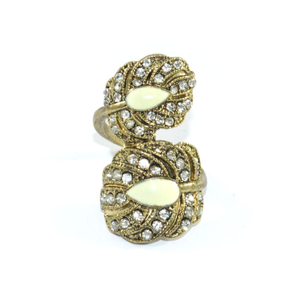 CRYSTAL LEAF RING - product image