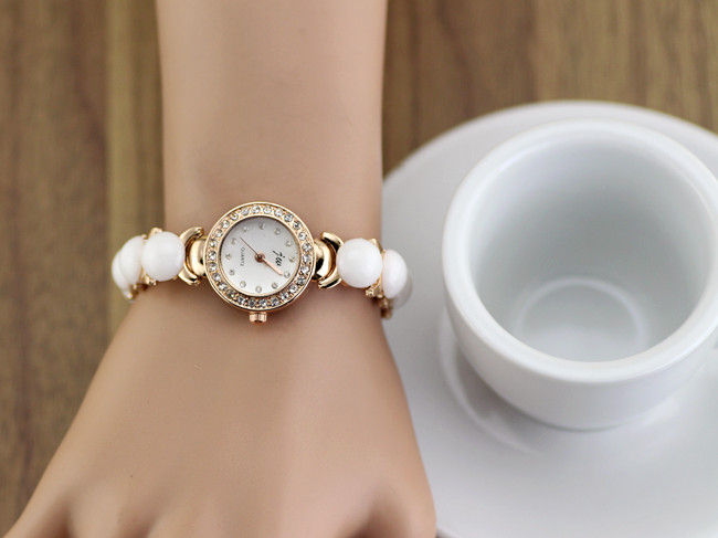 VINTAGE STYLE ROUND WATCH - product image