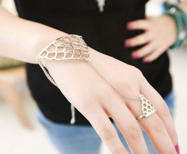 DOUBLE TRIANGLE CHAIN BRACELET - product image