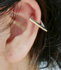 TRIANGLE EAR CUFF - product image