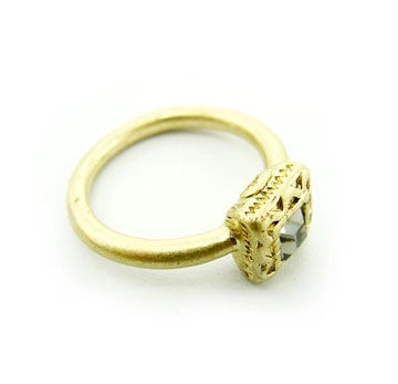 ELEGANT BOX CRYSTAL RING - product image