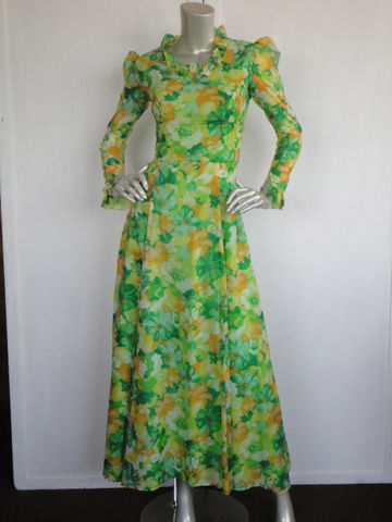 Vintage,70s,Maxi,Dress,/,Prairie,Green,Florals,with,Ruffles,Size,X,Small,Clothing,70s_prairie_dress,70s_maxi_dress,green_maxi_dress,vintage_green_dress,floral_maxi_dress,puff_sleeve_dress,xs_maxi_dress,70s_floral_dress,sheer_sleeve_maxi,floor_length_dress,yellow_maxi_dress,70s_hippie_dress,vintage_floral_dress,po