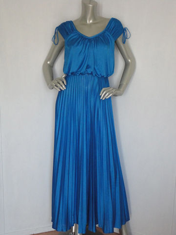 70s,Maxi,Dress,/,Royal,Blue,Vintage,Flare,maxi,70s_blue_maxi,70s_maxi_dress,long_and_flowing,royal_blue_dress,vintage_royal_blue,hostess_dress,70s_hostess,prom,ball_gown,evening_dress,garden_dress,bohemian,hippie,polyester