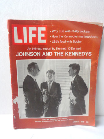 Vintage,Magazine,/,A,Report,of,Johnson,and,The,Kennedy,Brothers,Aug,1970,Life,Collectibles,vintage_magazine,life_magazine,kennedy_magazine,collectible_kennedy,kennedy_brothers,jfk_article,vintage_life_mag,70s_life_magazine,Jfk,collectible_magazine,John_f_kennedy,President,paper