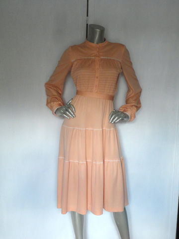 70s,Prairie,Dress,/,Hippie,Vintage,Peach,Bohemian,Large,Clothing,70s_prairie_dress,70s_hippie_dress,vintage_peach_dress,peachy,70s_lace_dress,rose_buttons,peach_buttons,bohemian_dress,hippie_dress,garden_dress,swing_dress,flare_70s_dress,70s_cocktail_dress,polyester,spandex