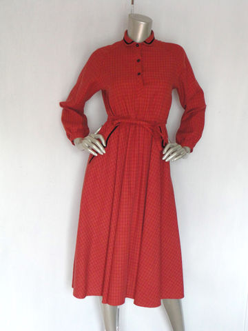 40s,Dress,/,Vintage,1940s,Terracotta,Size,ML,Velvet,Clothing,40s_dress,vintage_40s_dress,terracotta_dress,terracotta_color,40s_day_dress,40s_box_dress,40s_cotton_dress,1940s_cotton_dress,40s_terracotta_dress,1940s_terracotta,40s_velvet_dress,2_pocket_dress,vintage_flare_dress,rayon,plastic,co