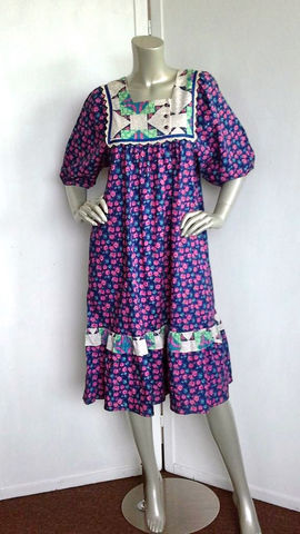Vintage,70s,Dress,/,Hippie,Floral,Hawaiian,Clothing,70s_vintage_dress,hippie_dress,bohemian_dress,hawaiian_dress,from_sears,70s_hippie_dress,floral_dress,flower_dress,blue_white_green,purple,ruffle,flare_dress,ruffle_dress,cotton
