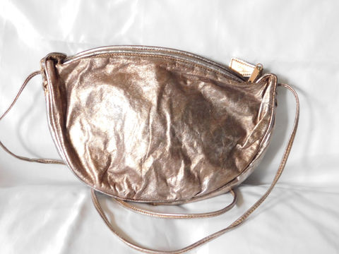 80s,Vintage,Metallic,Purse,Crossbody,Handbag,Gold,Silver,Leather,Bags_And_Purses,metallic,gold,silver,disco,crossbody,messenger,shoulder,handbag,phillippe,leather,metallic_leather,half_moon,party_purse,metal