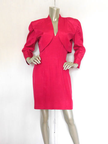 80s,Hot,Pink,Dress,Vintage,Cocktail,Suit,2,Pc,Clothing,Women,hot_pink_suit,80s_pink_dress,80s_cocktail_suit,avant_garde_dress,avant_garde_suit,crop_blazer,cropped,pink_party_dress,size_6,party,garden,prom,wedding,acetate,rayon,metal