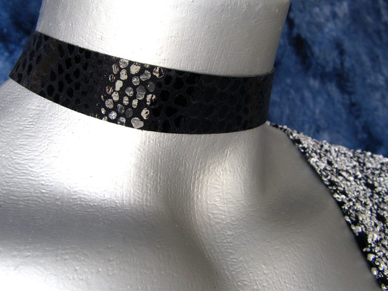 "20mm (3/4"") Black Shiny Snake Suede Leather Choker Collar Necklace - product images  of"