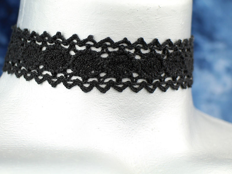 "20mm (3/4"") Plain Black Scalloped Cluny Lace Ribbon Choker Necklace - product images  of"