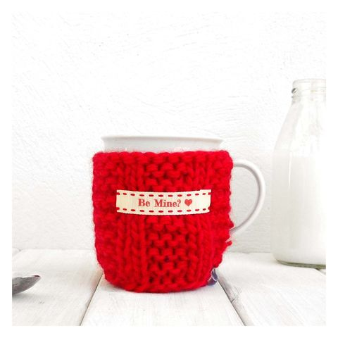 Personalised,Knitted,Mug,Cosy,-,Red,Personalised Mug Cosy, Knitted, Made in Britain, Mug and Cosy - Red Mug Cosy and China Mug - Chunky Knit Cosy - Secret Santa Gift - Christmas Cozy - Stocking Filler - Gift for Valentines