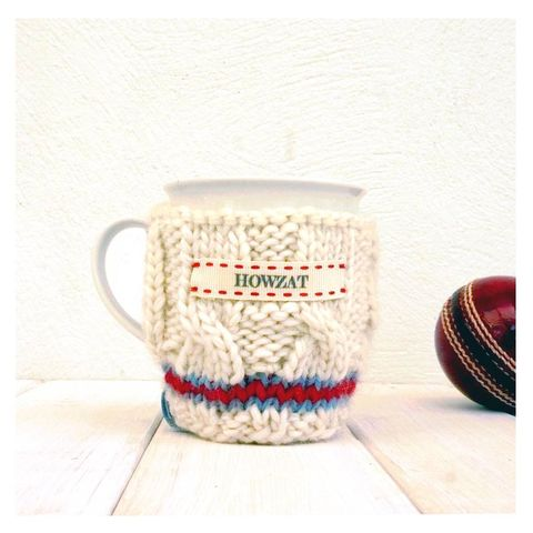 Personalised,Knitted,Cricket,Jumper,Mug,Cosy,Knitted Mug Cosy, Handmade, Made in Britain, Knitted, Cricket Mug and Cosy - Knitted Cricket Jumper Mug Cosy - Cricket Lover Gift - The Ashes - County Cricket - Sport Lover - Gift for Grandad