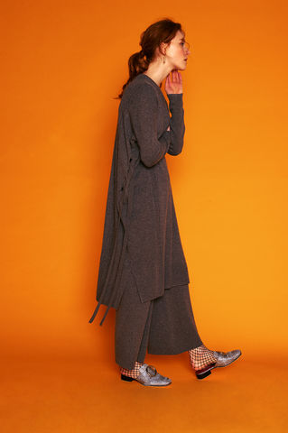 Oversized,V-neck,Cashmere,Dress,with,Straps,Oversized cashmere dress, v neck dress, grey cashmere dress, 100% cashmere, oversized dress, strap dress, London knitwear, knitwear designer, luxury casual brand, jwon, jwon london