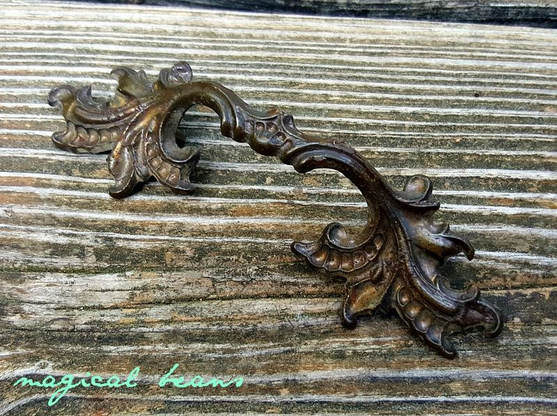 Keeler Brass Co Whale Boomerang Cabinet Drawer Pulls Handles /& Knobs Dresser Set Vintage Mid Century Atomic
