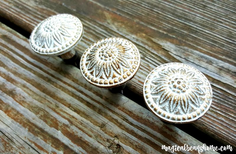 farmhouse chic decorative drawer knobs in white gold product image - Decorative Drawer Knobs