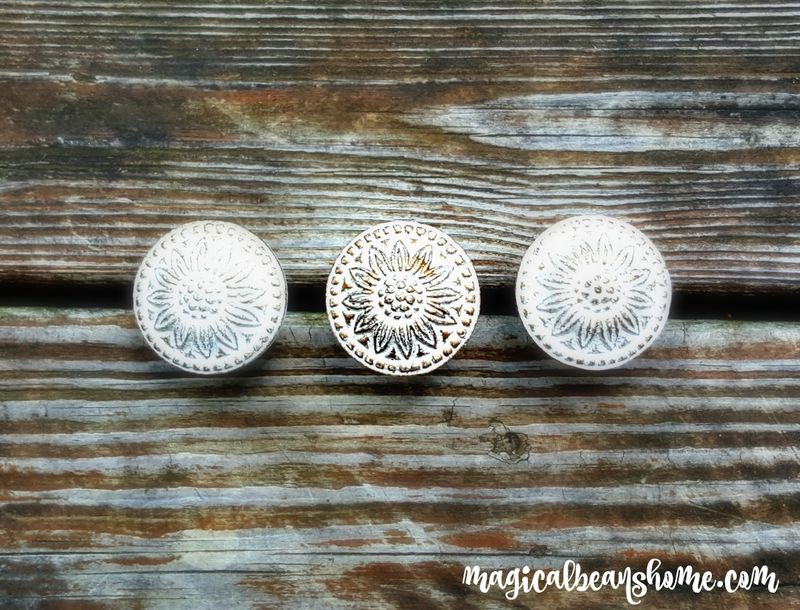 Farmhouse Chic Decorative Drawer Knobs In White Amp Gold