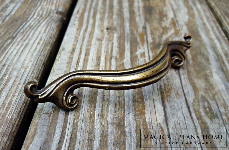 Vintage Keeler Brass Co Ribbon Pull In Antiqued Brass