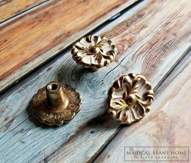 Dresser Knobs Pulls Drawer Pulls Knobs Cabinet Knobs  Furniture Knobs Vintage Antique Dresser Knobs Antique Silver Bronze Hardware