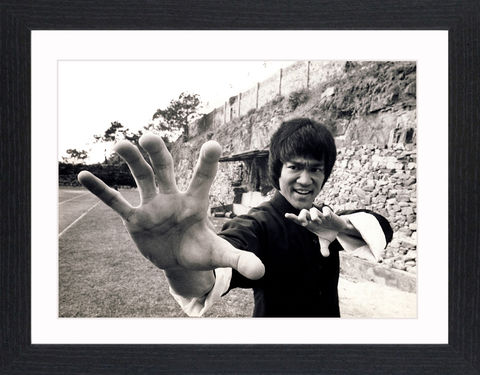 Bruce,Lee,-,01,Picture, Photo, Photograph, Print, Framed Photograph, Pop Art, Icon, Black&White, B&W, Black & White, Bruce Lee, martial arts, philosopher, film director, film producer, screenwriter, Jeet Kune Do, pop culture, pop culture icon, Enter the dragon