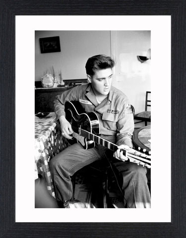 Elvis,Presley,-,03,Picture, Photo, Photograph, Print, Framed Photograph,  Icon,  B&W, Black & White, Elvis,  King of Rock and Roll, the King, Elvis Presley, singer, actor, musicals, films