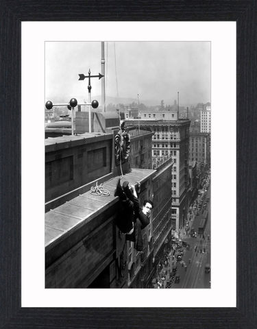 Harold,Lloyd,-,07,Picture, Photo, Photograph, Print, Framed Photograph, Icon, B&W, silent films, talkies, Harold Lloyd, Safety Last, comedian, silent film, stunts, 1920's