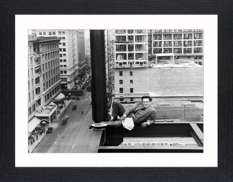 Harold,Lloyd,-,08,Picture, Photo, Photograph, Print, Framed Photograph, Icon, B&W, silent films, talkies, Harold Lloyd, Safety Last, comedian, silent film, stunts, 1920's