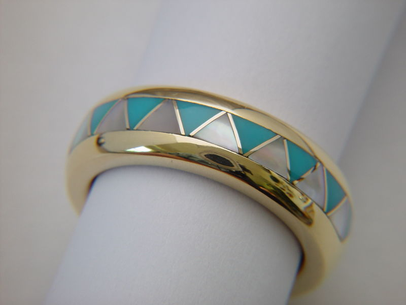 Traditional Navajo-Style Wedding Ring - 18 Karat Gold - product images  of