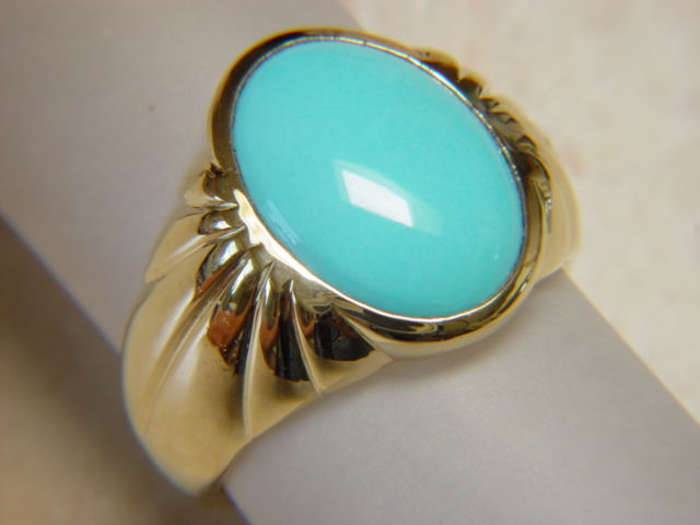 Sleeping Beauty Turquoise in Heavy 18 Karat Gold Ring Carusetta