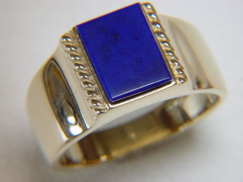 Lapis,Lazuli,set,in,Heavy,14,Karat,Yellow,Gold,Ring,Gold Ring, man's ring, Men's ring, Gold and Lapis, Custom Gold Rings, Turquoise Inlay. Arizona, Navajo, Designer, 18 Karat gold, Lapis Lazuli