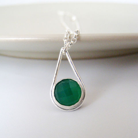 Green,Agate,Silver,Teardrop,Necklace,Jewelry,Tanya_Garfield,UK_handmade,free_UK_delivery,bridesmaid_necklace,bridesmaid_gift,modern_pendant,green_pendant,teardrop_pendant,contemporary,modern,classic_pendant,evening_jewellery,green_necklace