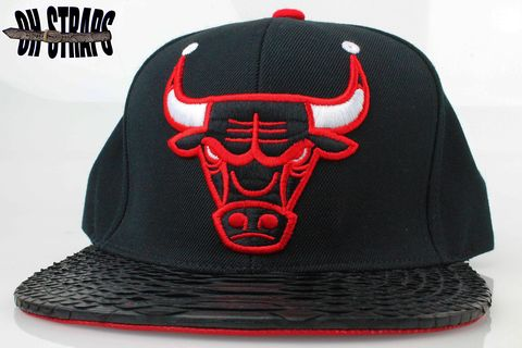 Chicago,Bulls,Black,XL,Snakeskin,Strapback,Hat,(BLK/RD)