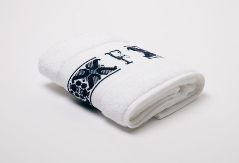 Hand-Embroidered,Personalised,Towel,with,Initial,—,F,personalised gift, hand-embroidered, towel, monogrammed, linen, initial, luxury towel, Trésor, London