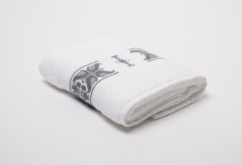 Hand-Embroidered,Personalised,Towel,with,Initial,—,I,personalised gift, hand-embroidered, towel, monogrammed, linen, initial, luxury towel, Trésor, London