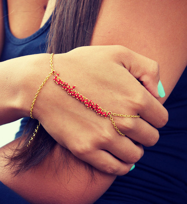LOVMELY HAND CHAIN. bracelet. slave bracelet. turqouise or coral - product images  of