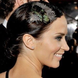 CARRINGTON-,Lady,Amherst,and,Guinea,Feather,Headband-,celebrity,style,Accessories,Hair,feather,guinea,headband,Feather_headband,Pluma,Hair_piece,Clip,Fascinator,Peacock_feather,Black_and_green,Hat,Boutique,feathers,lady amherst,button