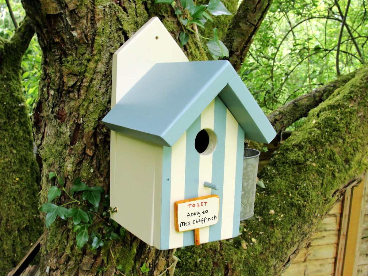 Personalised handcrafted beach hut style bird house siop for Bird house styles