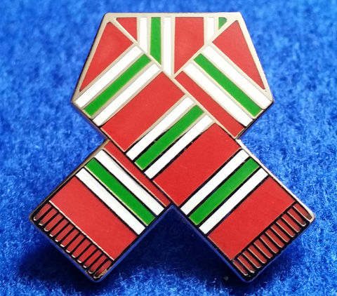 'Mid,70's,RETRO',PIN,BADGE,Chelsea FC Red Green and White scarf pin badge  memorabilia souvenir