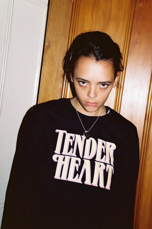 """TENDER HEART"" BLACK LONG SLEEVE - product images  of"
