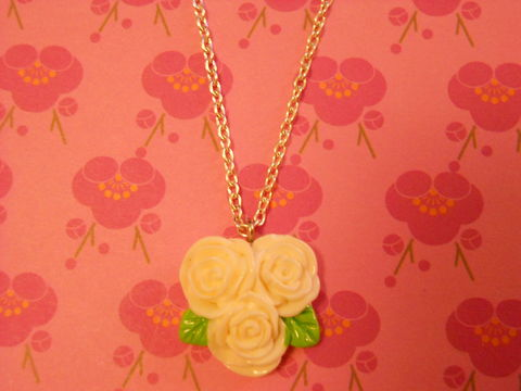 Triple,White,Rose,Necklace,Super kawaii love white triple rose flower pendant silver gold necklace chain cute pendant