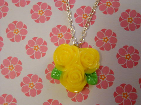 Triple,Yellow,Rose,Necklace,Super kawaii love yellow triple rose flower pendant silver gold necklace chain cute pendant