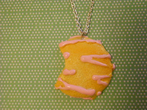 Large,Pink,Cookie,Necklace,Super kawaii food large half eaten cookie biscuit with pink icing pendant silver gold necklace chain cute pendant