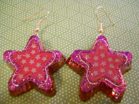 Pink,and,White,Super,Star,Resin,Earrings,harajuku Super kawaii star shaped resin earrings filled with pink glitter decorated with a pink and white star pattern.