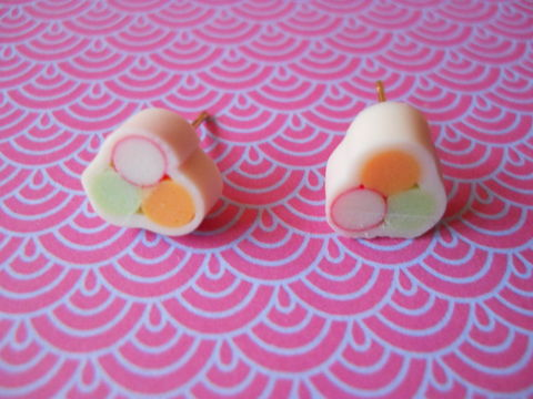 White,Sushi,Roll,Earrings,harajuku kawaii white sushi roll food stud earrings